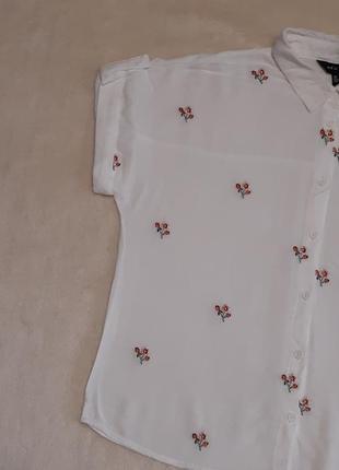 Рубашка короткий рукав с вышивкой цветы размер 8-10 new look