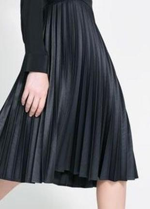 Bcbg max azria черная плиссерованая юбка плиссе актуальная миди оригинал брендовая