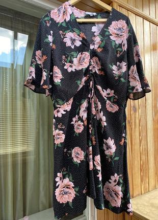 Шикарное платье в цветочек в воланами и драпировкой большой размер миди сукня квіти