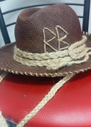 Соломенная шляпа от ryslan baginskiy. шляпа rb