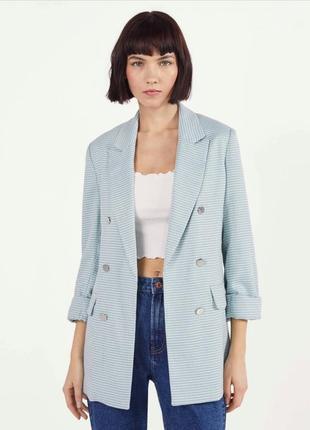 Пиджак с подворачиваемыми рукавами bershka