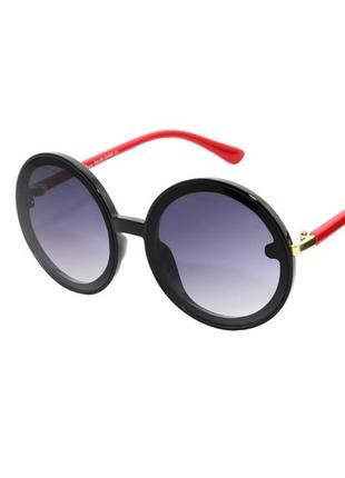 Очки солнцезащитные круглые женские в черной с красным оправе серыми линзами