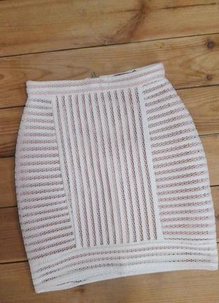 Стильная юбка из плотной сетки