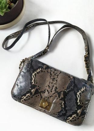 Стильная сумка под питона змеиный принт от avant-premiere