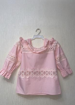 Кружевная блузка с открытыми плечами