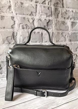 Чёрная большая сумка на длинной ручке