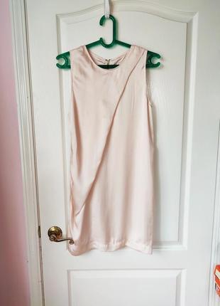 Лёгкое платье с перламутровым отливом