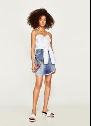 Джинсовая юбка с вышивкой  zara💞