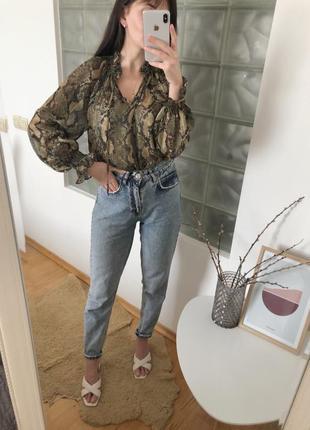 Блуза в змеиный принт h&m