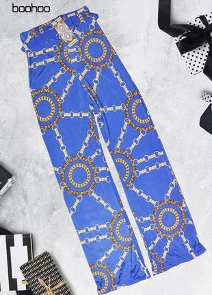 Синие штаны с завышенной талией и узором boohoo