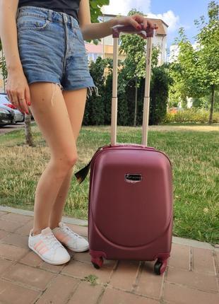 Дорожный пластиковый чемодан на 4 колесах wings. маленький размер. ручная кладь