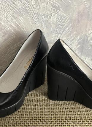Комфортные демисезонные туфли