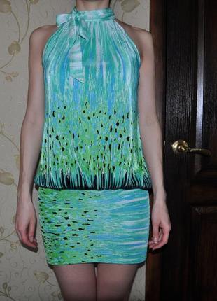 Яркое летнее молодежное платье без рукавов