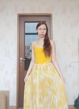 Красивый летний комплект: топ, юбка