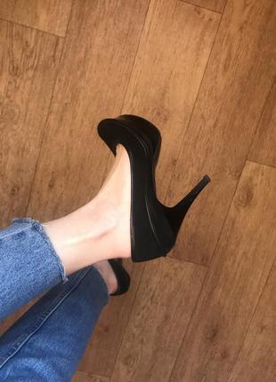 Черные туфли на каблуке замшевые натуральные удобные кожа кожаные базовые на платформе
