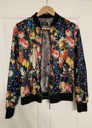 Легка куртка вітровка бомпер жіноча