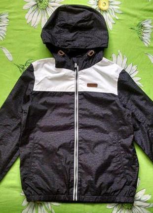 Серая куртка,ветровка для мальчика 10-11 лет.