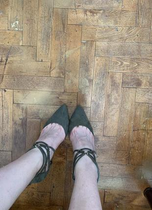 Туфли-лодочки оттенка хаки atmosphere