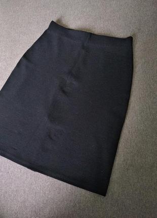Юбка карандаш з цупкої тканини