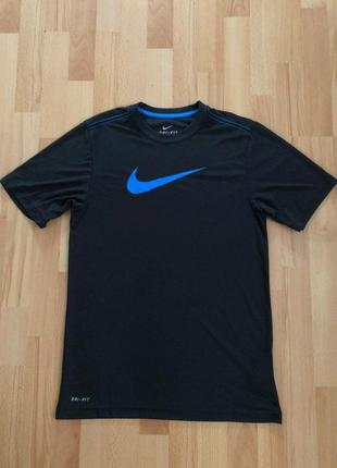 Мужская компрессионная футболка nike для занять спортом