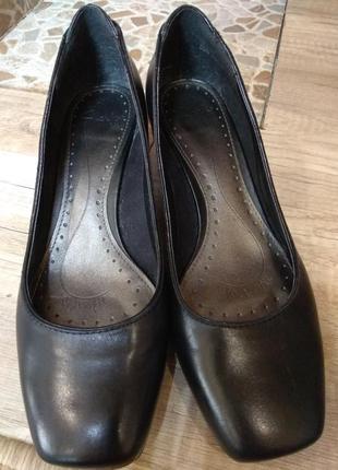 Шкіряні туфельки 39-40 розмір
