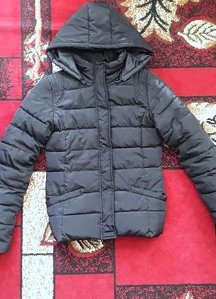 Очень теплая димисезонная курточка