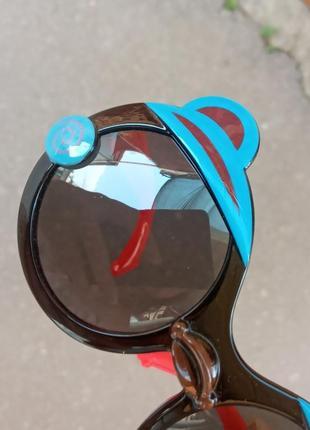 Стильные качественные актуальные универсальные необычные очки для детей