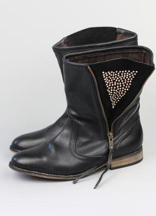 Фирменные кожаные полусапожки в стиле roberto santi clarks ecco