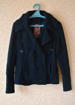 Классная куртка-жакет на кнопках чёрного цвета