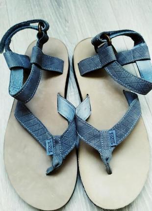 Сандалі сандали