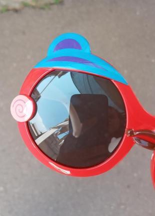 Стильные качественные актуальные необычные шикарные очки для детей polarized
