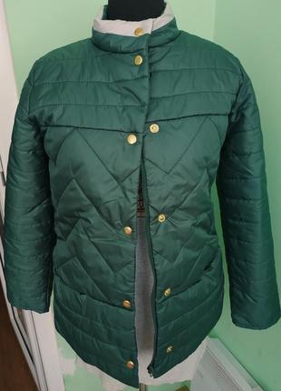 Женская новая куртка зеленая