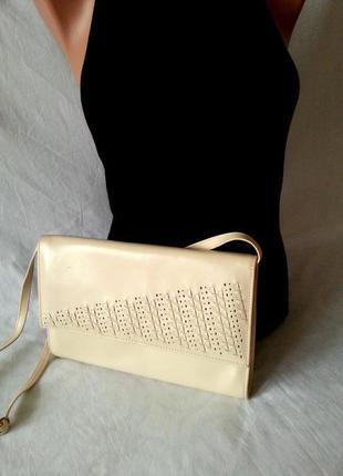 Шикарный светлый клатч от clarks,сумка кроссбоди 100%кожа