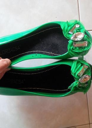 Зеленые балетки с открытым носочком 36р