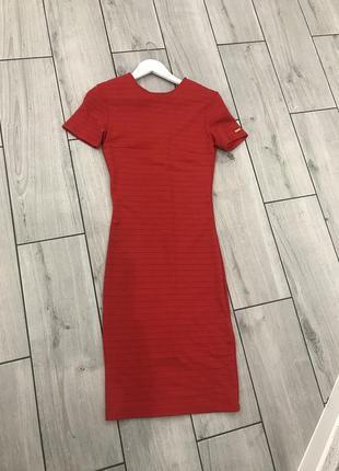 Красное платье mohito