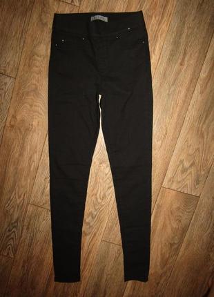 Черные зауженные джинсы брюки р-р s бренд denim co