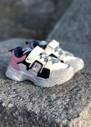 Модные демисезонные кроссовки