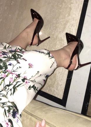 Остроносые туфли лодочки цвета вишни кожа польша