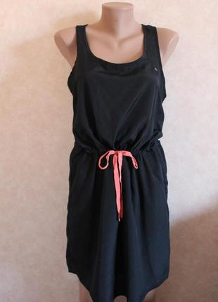Спортивное платье,очень интересного фасона. черное, с неоновыми молниями xl