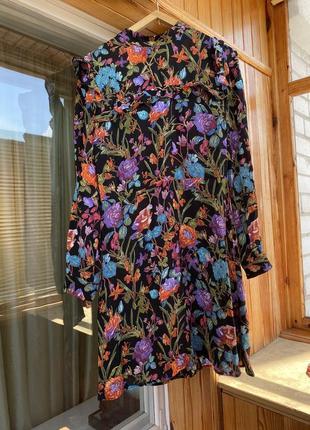 Шикарное платье с оборками в цветочный принт платье в цветы нарядное миди
