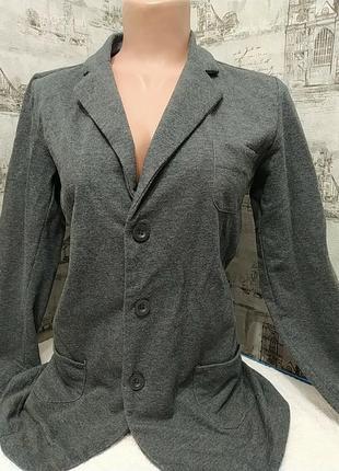 Пиджак, как кофту можна носить
