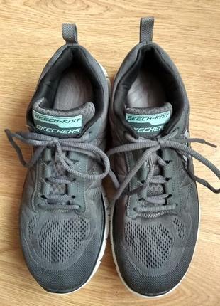 Очень удобные кроссовки skechers