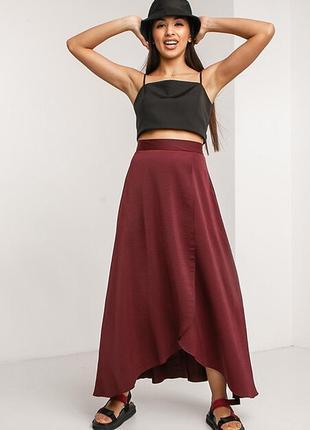 Бордовая шелковая юбка макси клеш с асимметрией и разрезом
