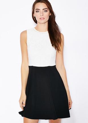 Dorothy perkins красивое черно-белое платье с декором, р.34, xs