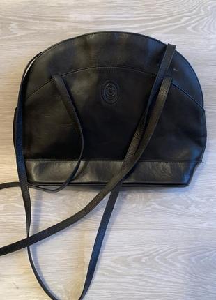 Кожаная чёрная сумка disser