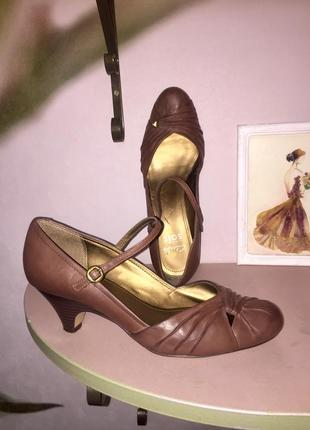 Лёгкие летние туфли