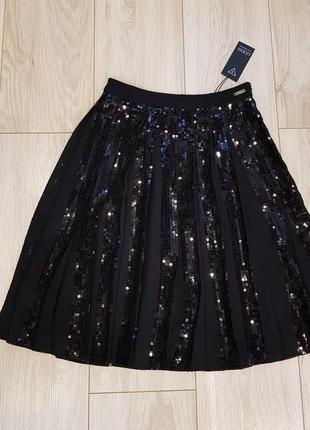 Шикарная юбка guess. оригинал! новая. размер 29 (м). с пайетками. sale! скидка!