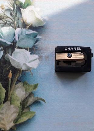 Точилка для контурных карандашей chanel
