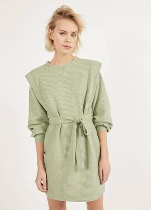Ребристое платье с поясом