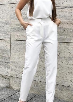 Белый костюм с брюками